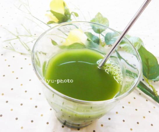 河村農園さんの国産有機大麦若葉青汁 混ぜます